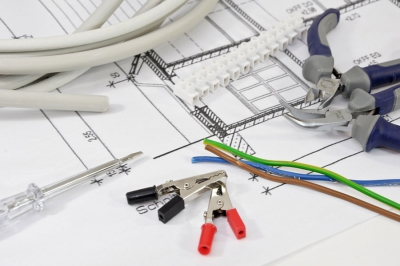 Impianti elettrici... dalle idee alle realizzazioni.